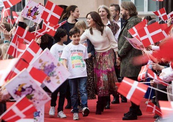 Crown Princess Mary wore a Valentino pleated printed silk crepe de chine midi skirt