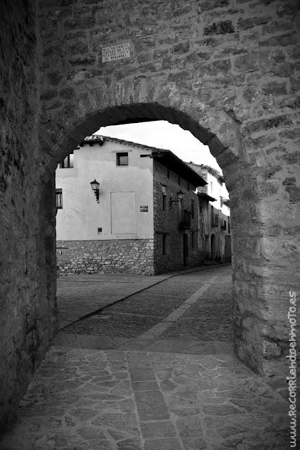 Acceso Puerta de las monjas, Mirambel