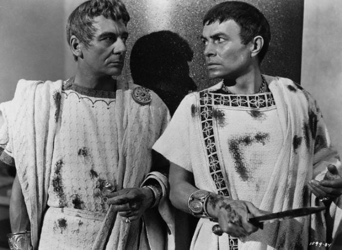 who defeated brutus and cassius relationship