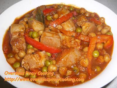 Pork Gisantes and Garbanzos Dish