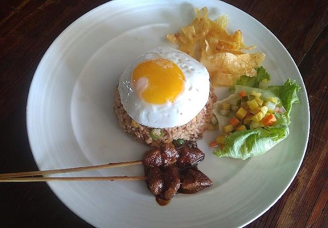 Hayo lho, yakin nolak hidangan nasi goreng lezat begini?