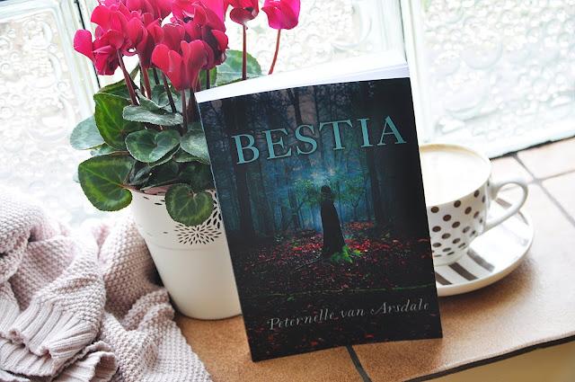"""""""Bestia"""" - Peternelle van Arsdale"""