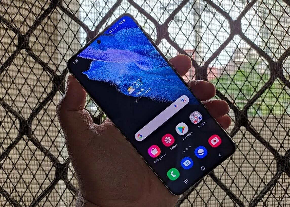Samsung Galaxy S21+ 5G 6.7-inch Dynamic AMOLED 2X FHD+ Infinity-O Display