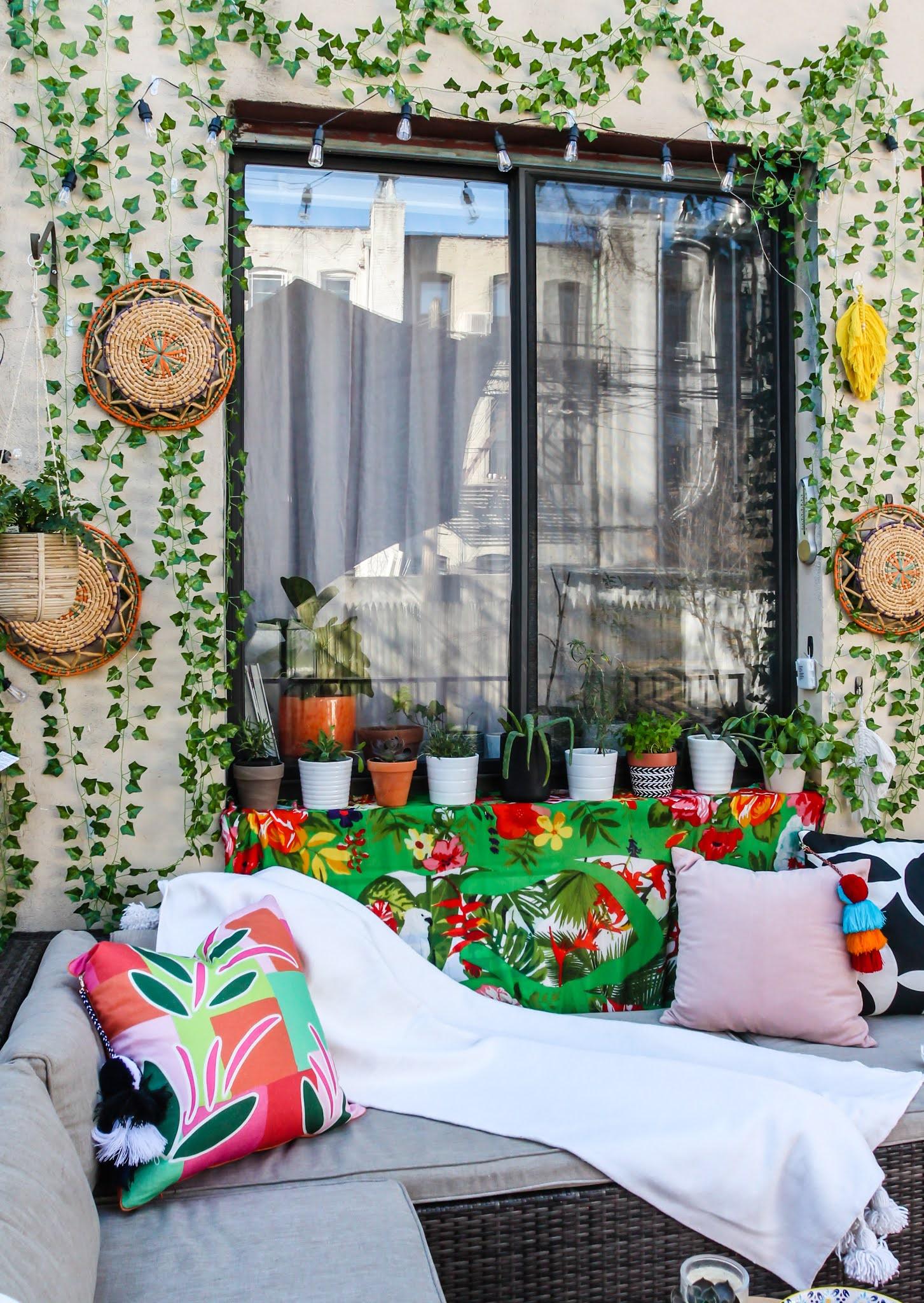 Renter-Friendly Patio Decor,  patio decor, faux ivy wall, command outdoor light clips, patio decor ideas, faux ivy wall diy, small space patio decor, small patio design ideas, NYC balcony ideas, NYC patio ideas