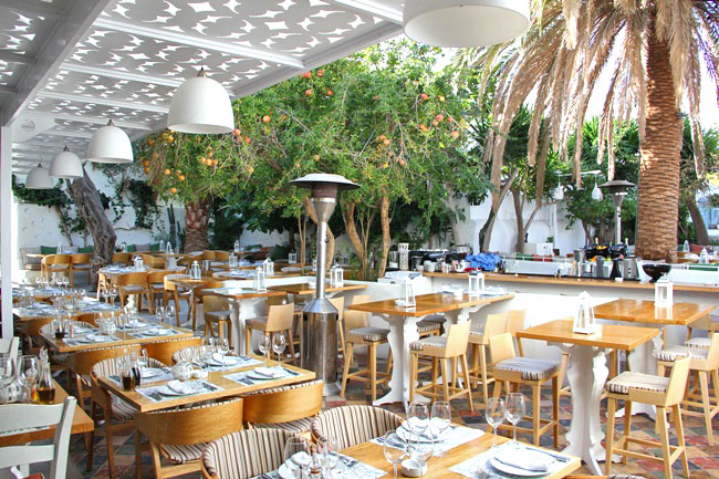 Mamalouka restaurant Mykonos town