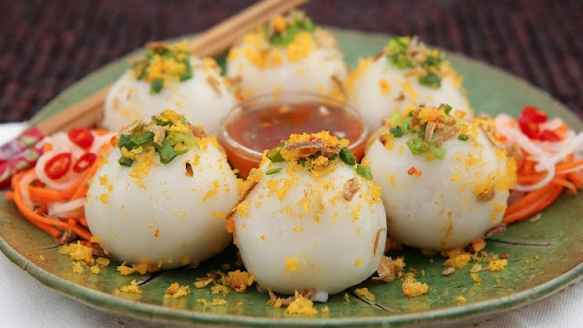 Banh It (Sticky Rice Dumplings)