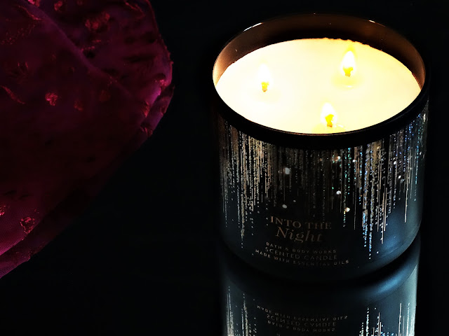 avis into the night bath & body works, bath and body works into the night, bougie parfumée 3 méches, 3 wicks candles, parfum d'ambiance, bougie parfumée into the night, blog bougie parfumée, bath and body works candle review, avis bougie