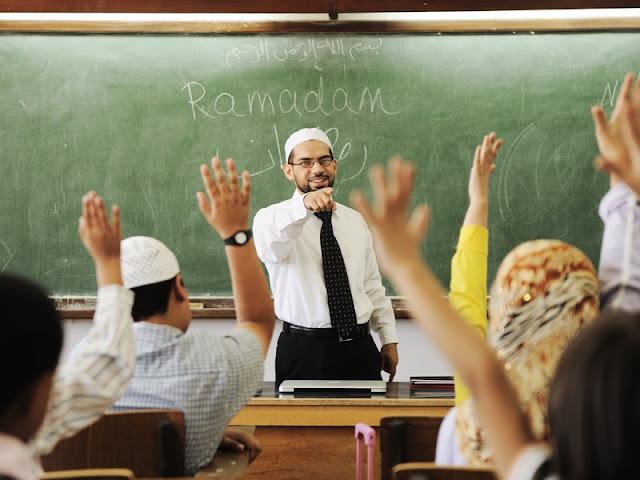 Guru Sejati Bukanlah yang Engkau Dengar Ceramah Sebatas Lisannya Saja