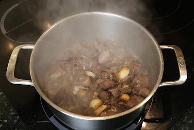 Preparación de higaditos de pollo al ajillo