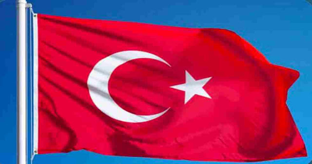 What is main color for the National Flag of Turkey?