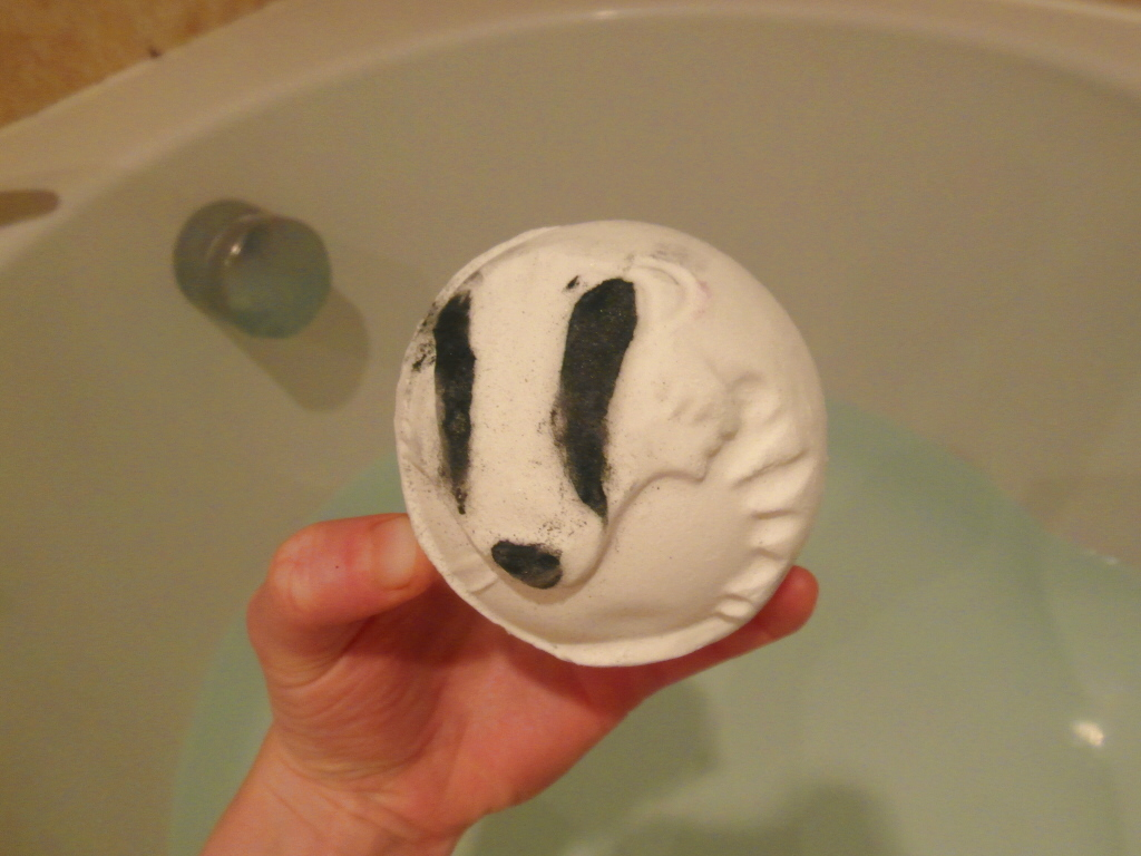 May Day bath bomb, Lush