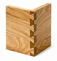 Geçmeli bir şekilde birleştirilmiş iki tahta parçası
