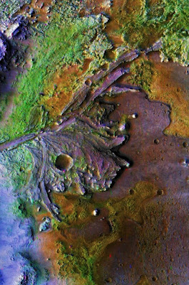 NASA rescently found big source source of water on mars!