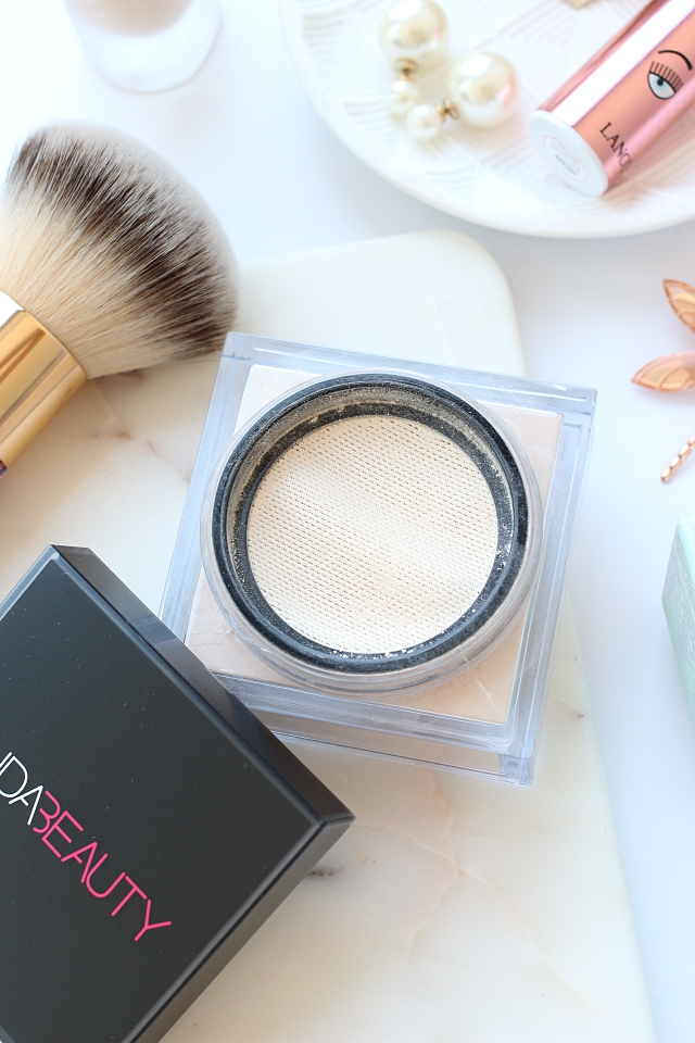 Huda Beauty Easy Bake Loose Baking & Setting Powder