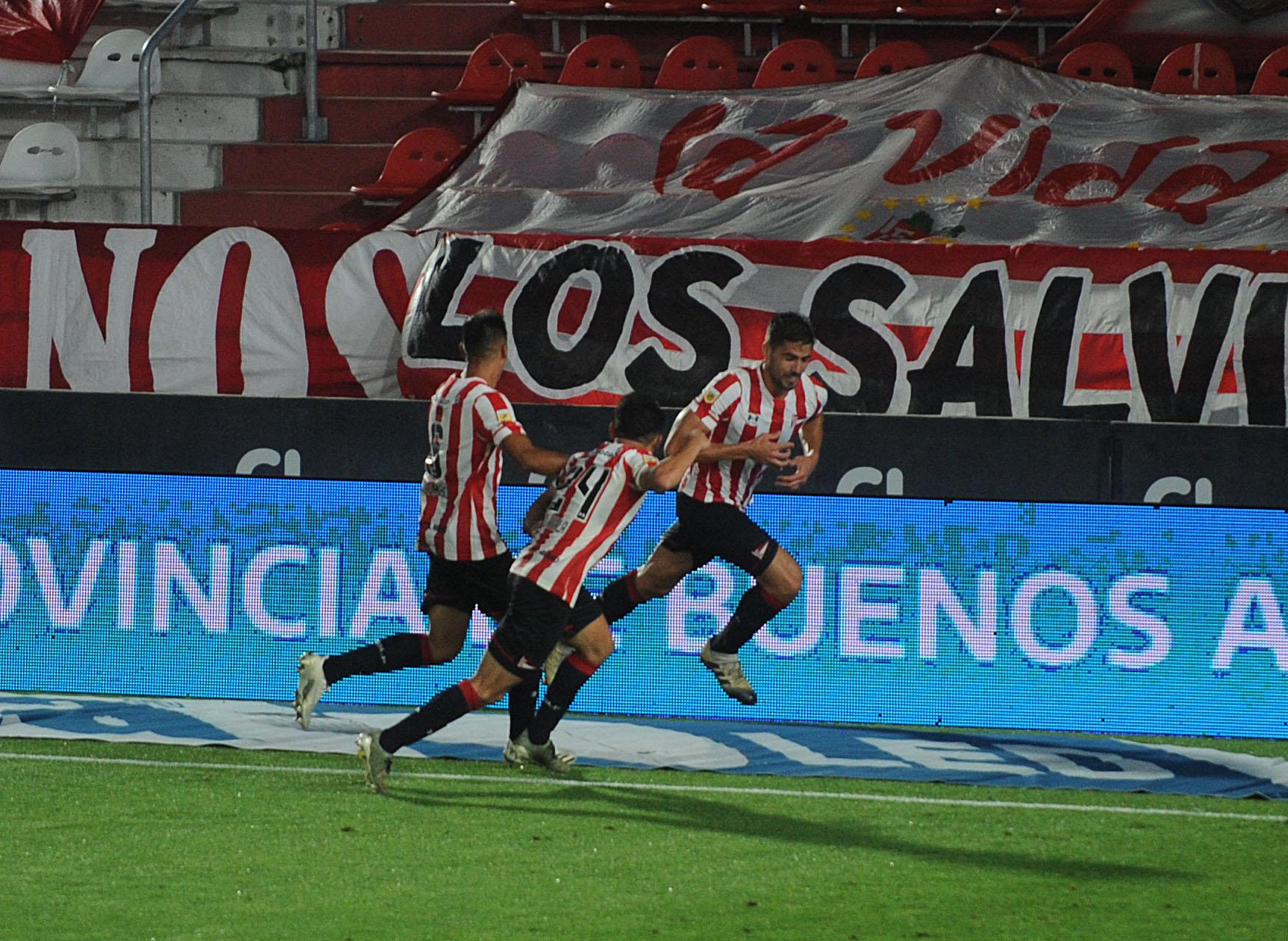 Agónico triunfo de Estudiantes sobre River en el arranque de la Copa de la Liga Profesional