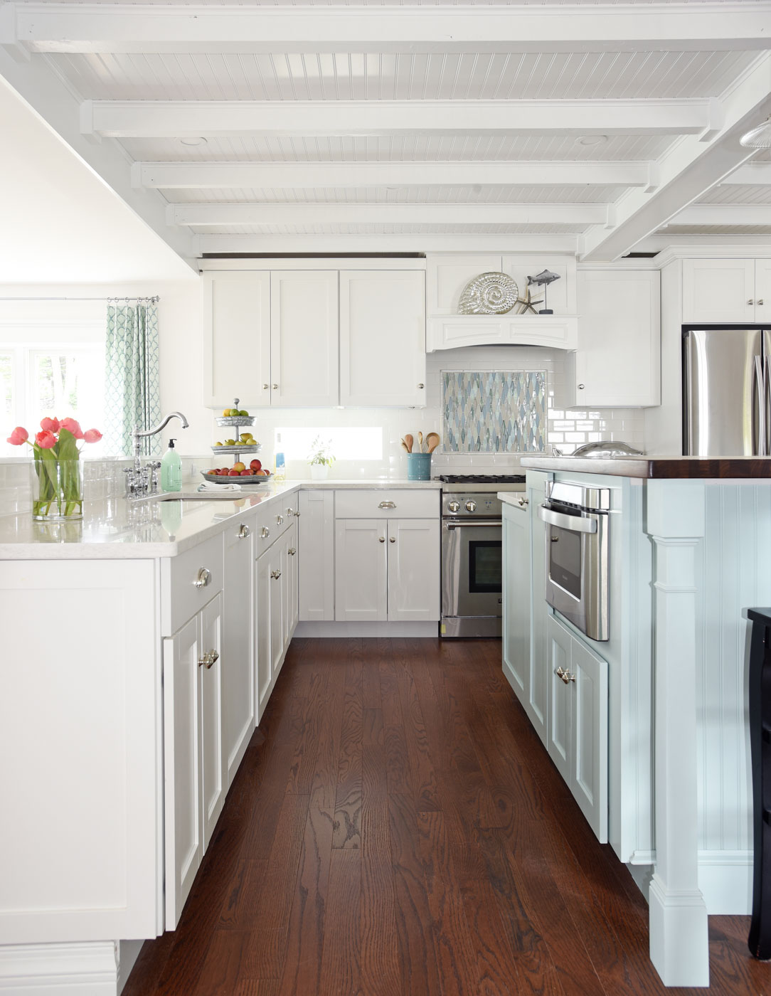 Coastal Beach Cottage Kitchen