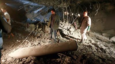 Misil que golpeó en la vivienda del exlíder libio, Muammar Gaddafi, en Trípoli.Louafi LarbiReuters
