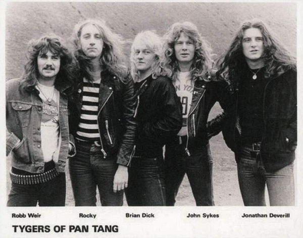 TYGERS OF PAN TANG - Hellbound Spellbound Live 1981 [Japan Edition] (2019) inside