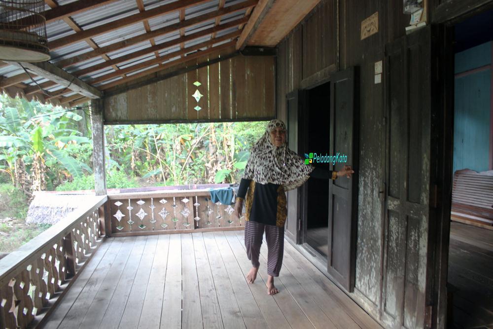 Rumah Adat Turun-temurun di Mendalok