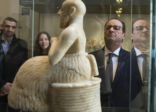 Oλάντ: Φέρτε να φυλάξουμε τα αρχαία του Ιράκ και της Συρίας στο Λούβρο