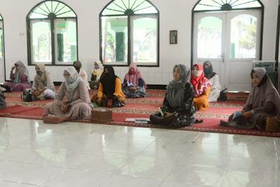 Tingkatkan Kualitas Keimanan dan Ketakwaan, Persit KCK Koorcab Rem 071 PD IV/Diponegoro Gelar Pengajian Rutin