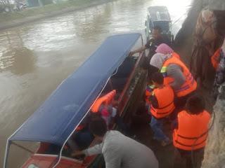 Speedboat di Gumawang Belitang OKU Timur