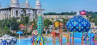 Jepara kini mempunyai Jepara Ocean Park, qaterpark terbesar dan terlengkap di Jawa Tengah.Dengan mengusung tema istana Rusia dan Mediterania pada tower seluncurnya,
