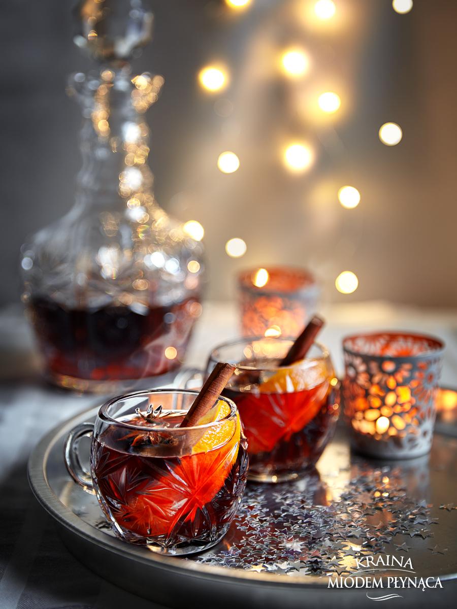 grzaniec, wino grzane, wino z przyprawami, wino z pomarańczami, czerwone grzane wino, romantyczna kolacja, kolacja dla dwojga, walentynki, kraina miodem płynaca