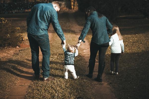نصائح عن تربية الأطفال (الأبوة والأمومة) يجب أن تعرفها كل أم وأب