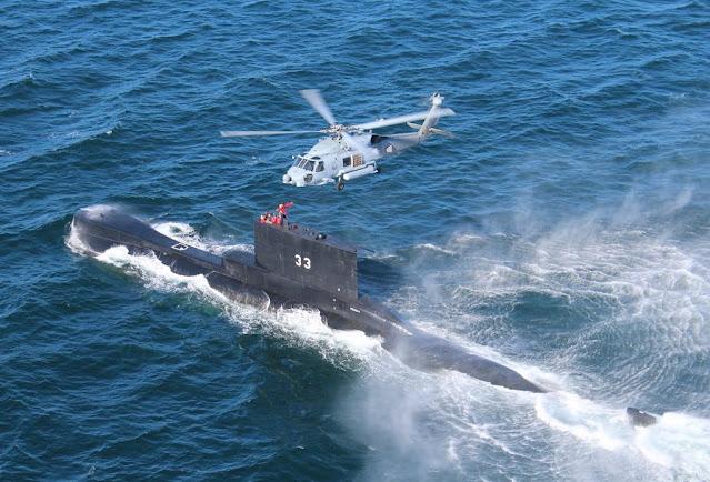 El Submarino Peruano BAP PISAGUA (SS-33) realizan Ejercicio de Elevación (HOISTEX)