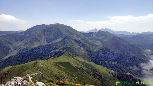 Vista de Peña Ten desde el Pico Zorru