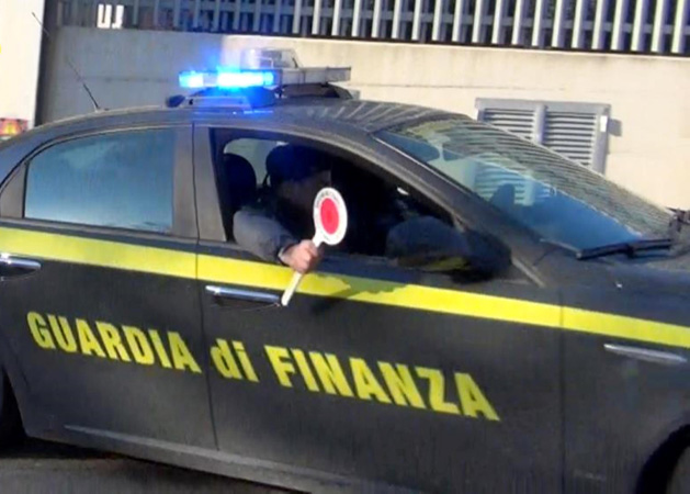 GdF: tra Campania e Abruzzo, sequestrati beni del valore di oltre 10 milioni di euro ad affiliato del clan Di Lauro