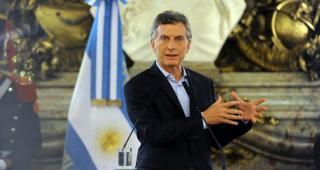 Macri ofreció como garantía los recursos naturales y lo denunciaron
