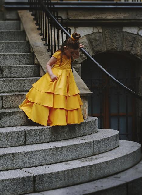 sukienka z bajki Piękna i Bestia