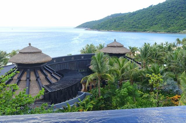 Vietnam's two resorts win World Travel Awards 2017