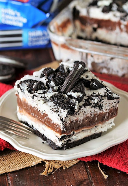 Piece of Oreo Yum Yum Image
