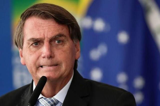 Bolsonaro veta Projeto de Lei que garantia internet para alunos da educação básica
