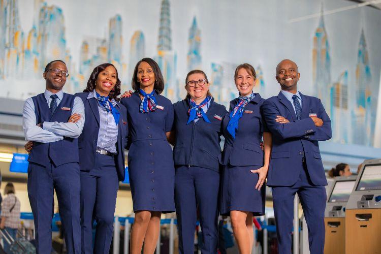 American Airlines estreia novos uniformes | É MAIS QUE VOAR