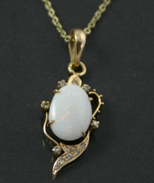 Antique pendant from Carus Jewellery
