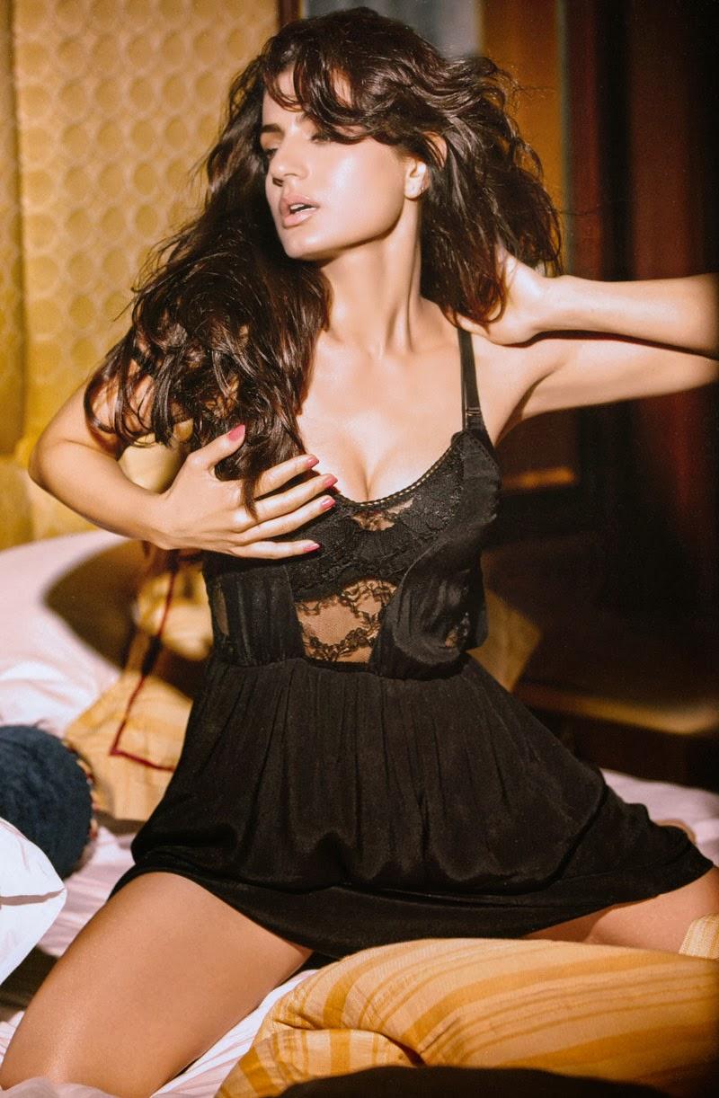 Ameesha patel sexy videos
