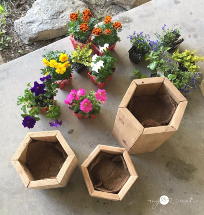 DIY Porch Planters ready to plant, MyLove2Create