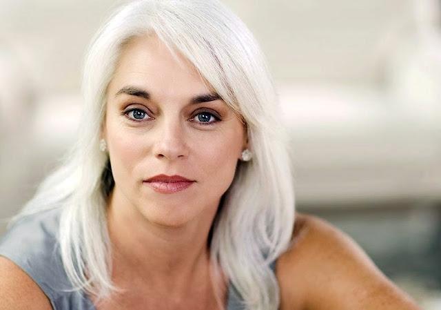 Buongiornolink - Vi siete mai chiesti perchè il colore dei nostri capelli cambia con l'età