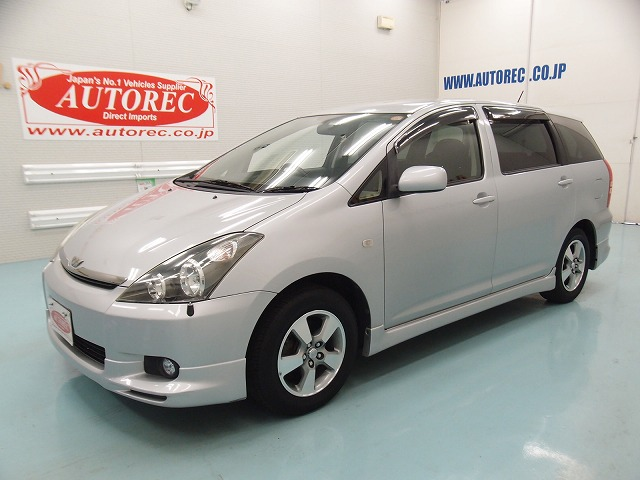 19556A3N8 2003 Toyota Wish X S Package