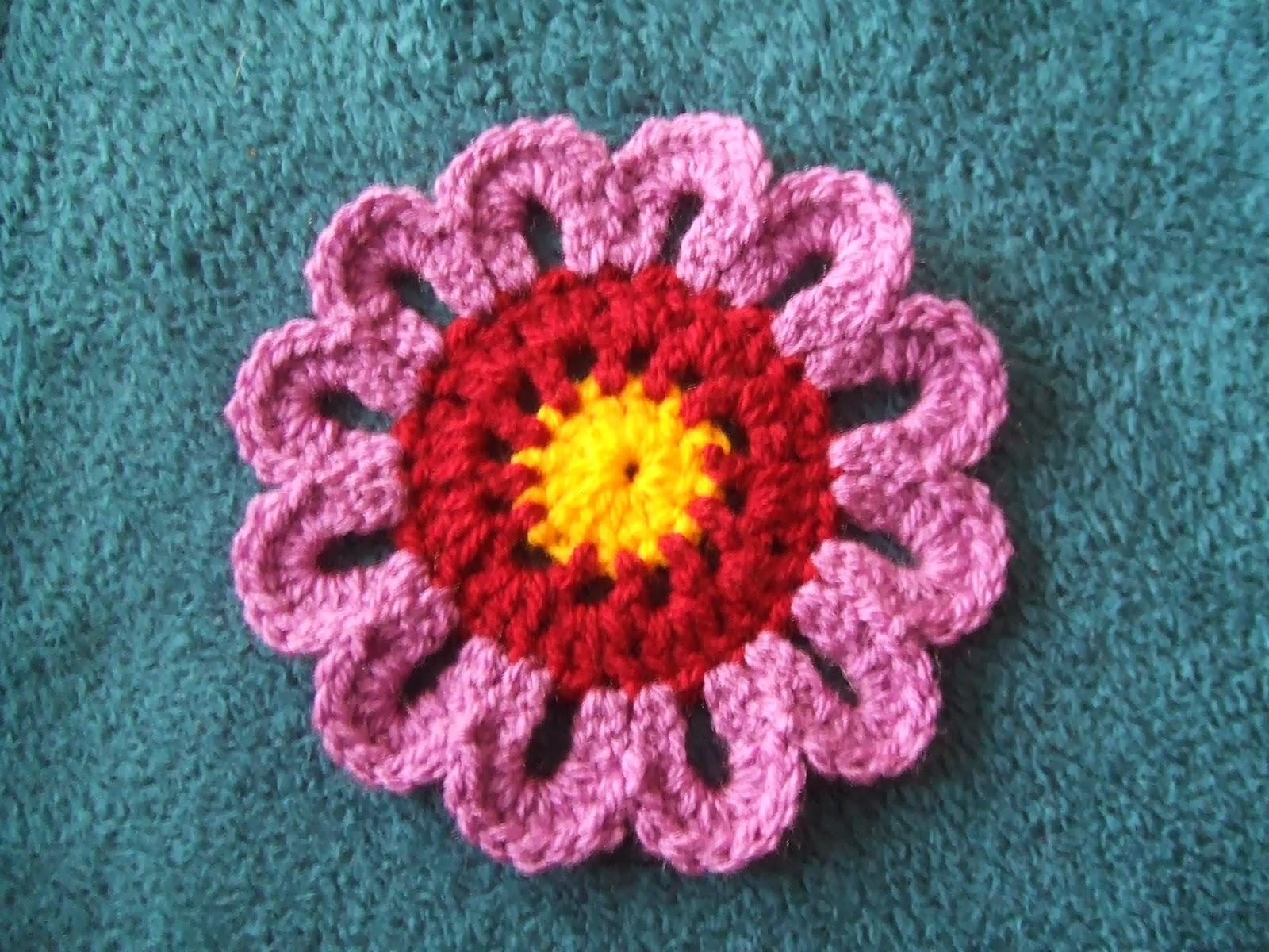 My world of crochet: Tutorial: bunte Blumentagesdecke