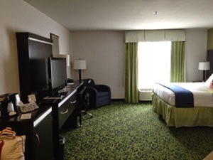 holiday inn hotel room