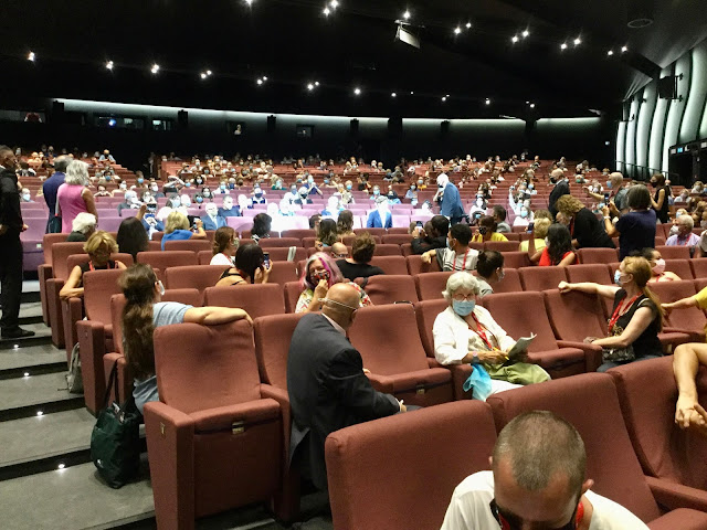 Full House at Venice Film Festival during Pandemic - Photo: Cat Bauer