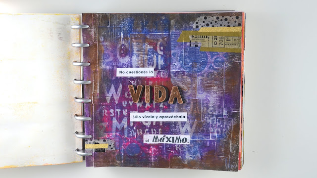 página de art journal mixed-media