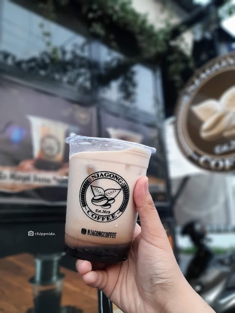 njagong coffee ayam geprek klasik kuliner surabaya foodies blogger sby  timur rungkut ngagel chippeido influencer food endorsement selebgram bensu