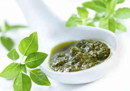 manfaat/khasiat daun kemangi untuk menghilangkan jerawat dan bekasnya