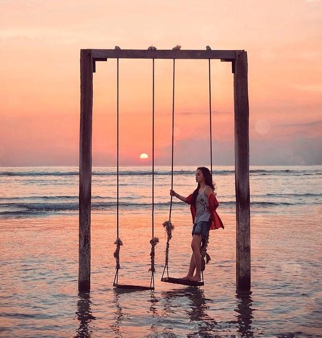 Surga anak pantai untuk menikmati golden sunset - foto cecilxu
